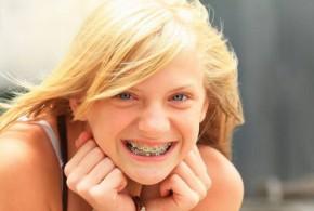 كيف يمكن للمراهقين أن يحافظوا على أسنانهم براقة وصحية؟